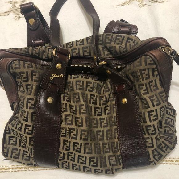 5604ae2e7305 💜NEW LISTING💜 FENDI handbag